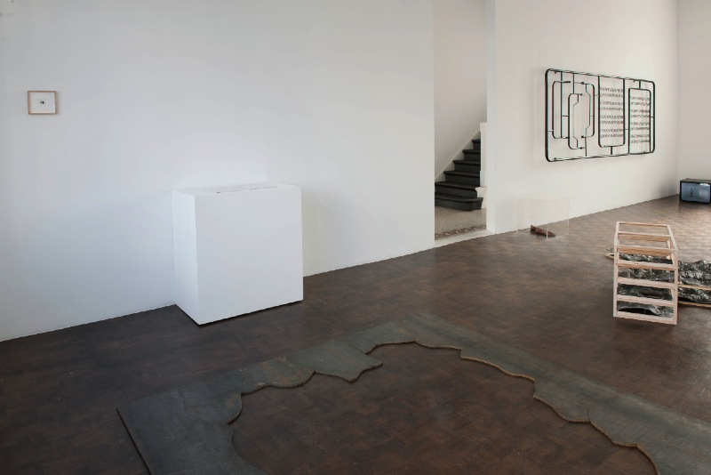 The Outside of Something II, exhibition view - 2009